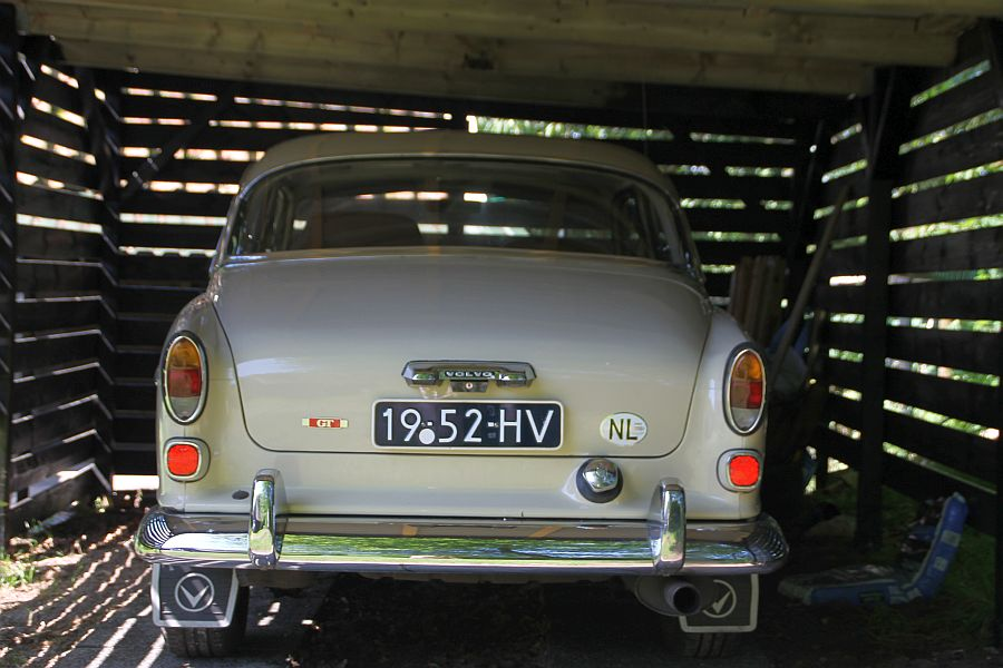 volvo 123gt in the front the 122s badges they also called this car a 122s gt the type number is 133941 assembled in no further features extra s like the